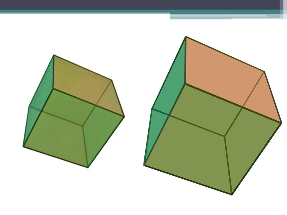 Dwudziestościan ścięty Dwudziestościan ścięty to wielościan półforemny o 32 ścianach w kształcie 20 sześciokątów foremnych i 12 pięciokątów foremnych.