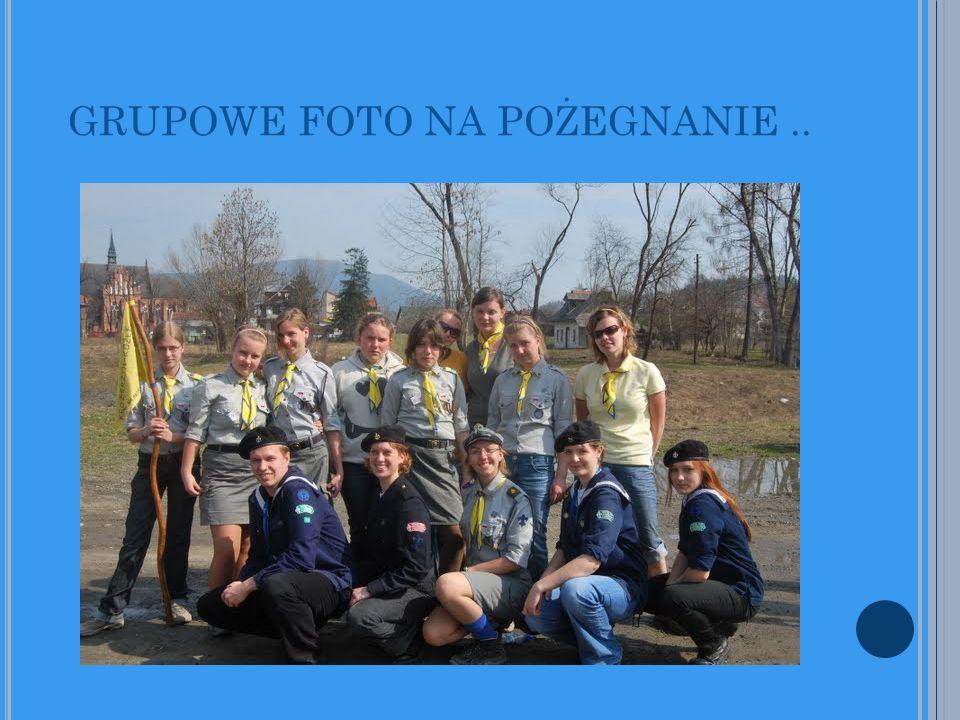 GRUPOWE FOTO NA POŻEGNANIE..