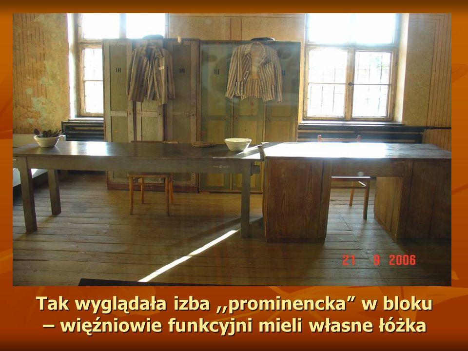 Tak wyglądała izba,,prominencka w bloku – więźniowie funkcyjni mieli własne łóżka