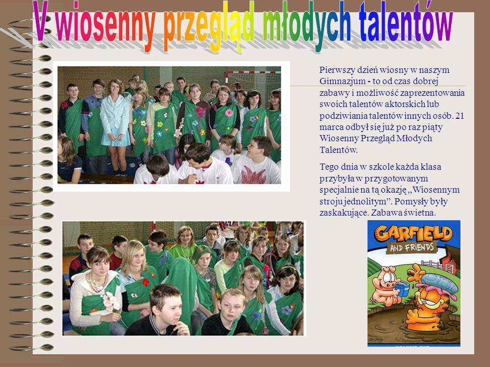 W tym roku otrzęsiny klas pierwszych zorganizowane przez Samorząd Uczniowski przebiegły pod hasłem: Wszyscy na Pokład Każda klasa musiała się przebrać za wylosowany kolor.
