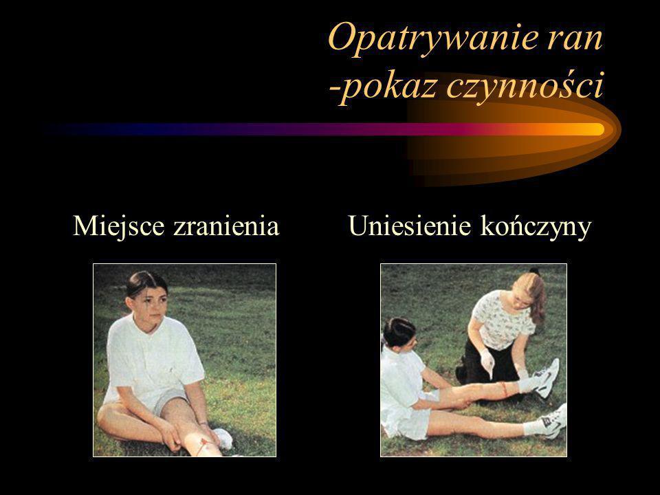 Opatrywanie ran -zasady ogólne Zadbać o bezpieczeństwo ratowanego oraz własne (nałożyć gumowe rękawiczki) Ochrona rannego przed wtórnymi zranieniami i