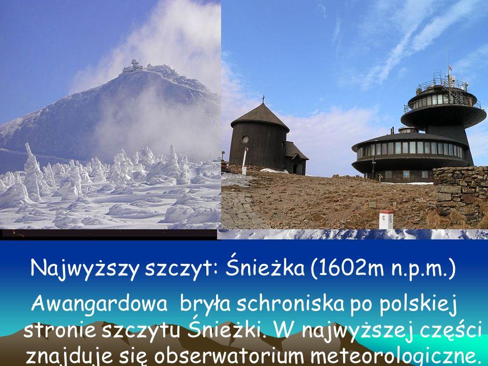 Awangardowa bryła schroniska po polskiej stronie szczytu Śnieżki. W najwyższej części znajduje się obserwatorium meteorologiczne. Najwyższy szczyt: Śn