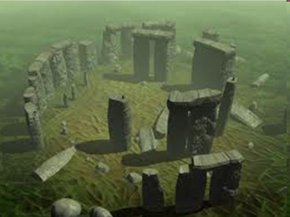 Do najsłynniejszych obiektów w Anglii, często odwiedzanych przez turystów, należy Stonehenge. Jest to przeogromna budowla kamienna utworzona z głazów;