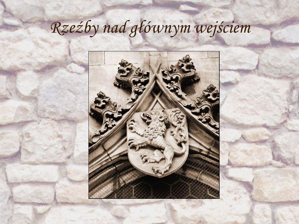 ~Wygląd kościoła ~ W wyniku blisko 350 - letnich prac powstała okazała poźnogotycka świątynia o murach z kamienia, o cechach nawiązujących do gotyku praskiego.