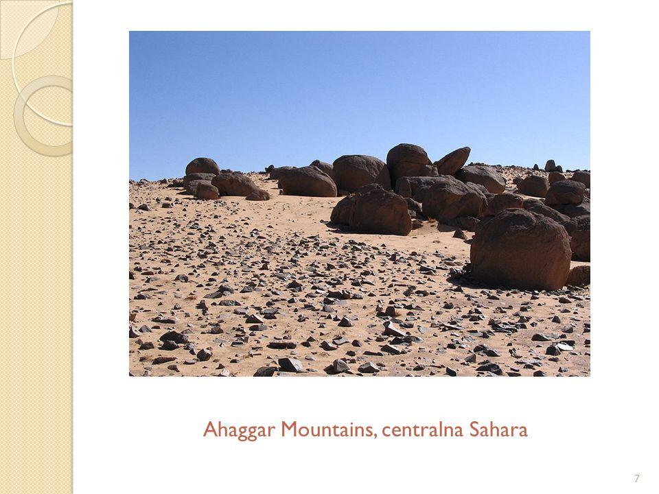 Pustynia żwirowa ( serir ) Zbudowana ze żwiru i dużych ziaren piasku. Występuje zazwyczaj na przedpolu gór i płaskowyżów w Azji Środkowej, na Saharze,