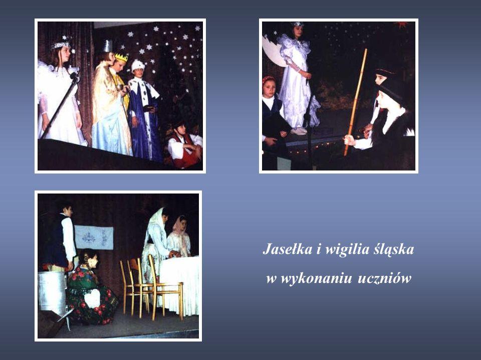 Jasełka i wigilia śląska w wykonaniu uczniów