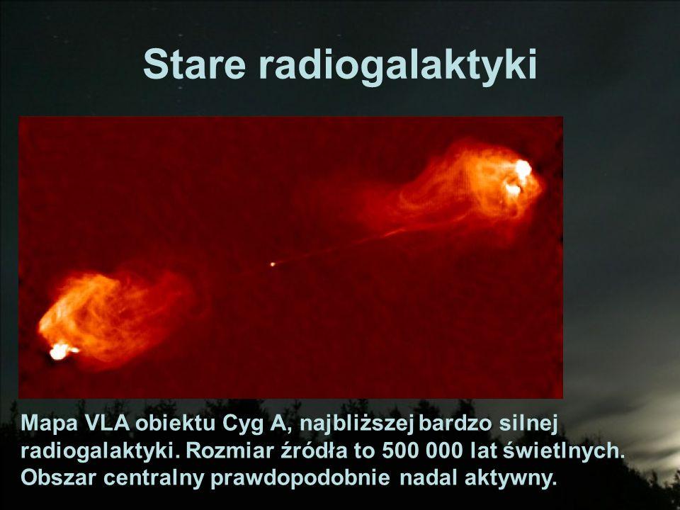 Stare radiogalaktyki Mapa VLA obiektu Cyg A, najbliższej bardzo silnej radiogalaktyki. Rozmiar źródła to 500 000 lat świetlnych. Obszar centralny praw