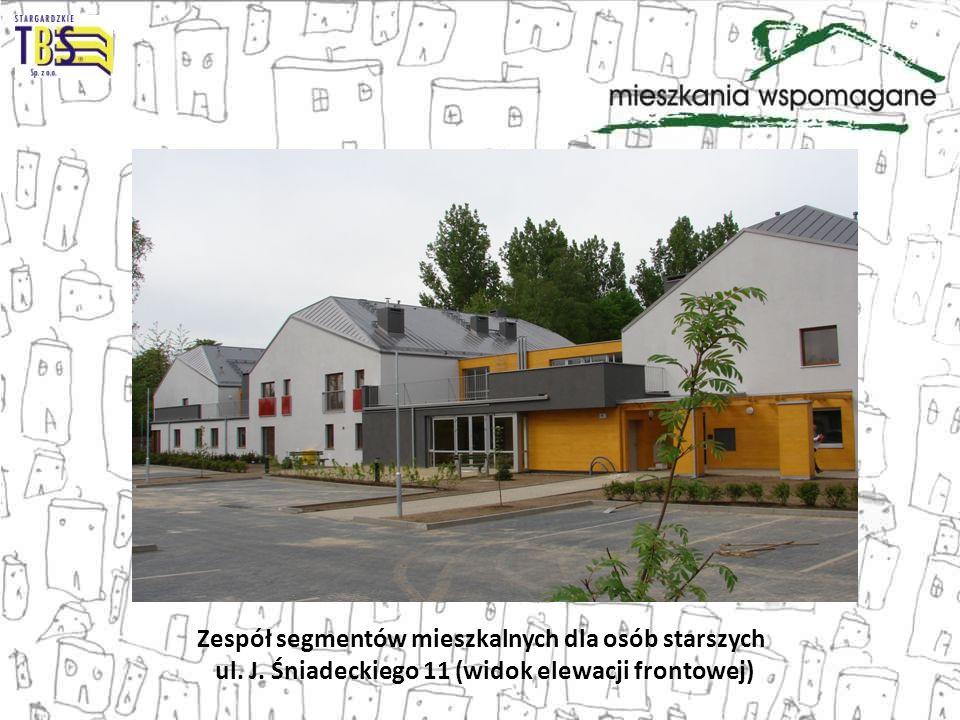 Zespół segmentów mieszkalnych dla osób starszych ul. J. Śniadeckiego 11 (widok elewacji frontowej)