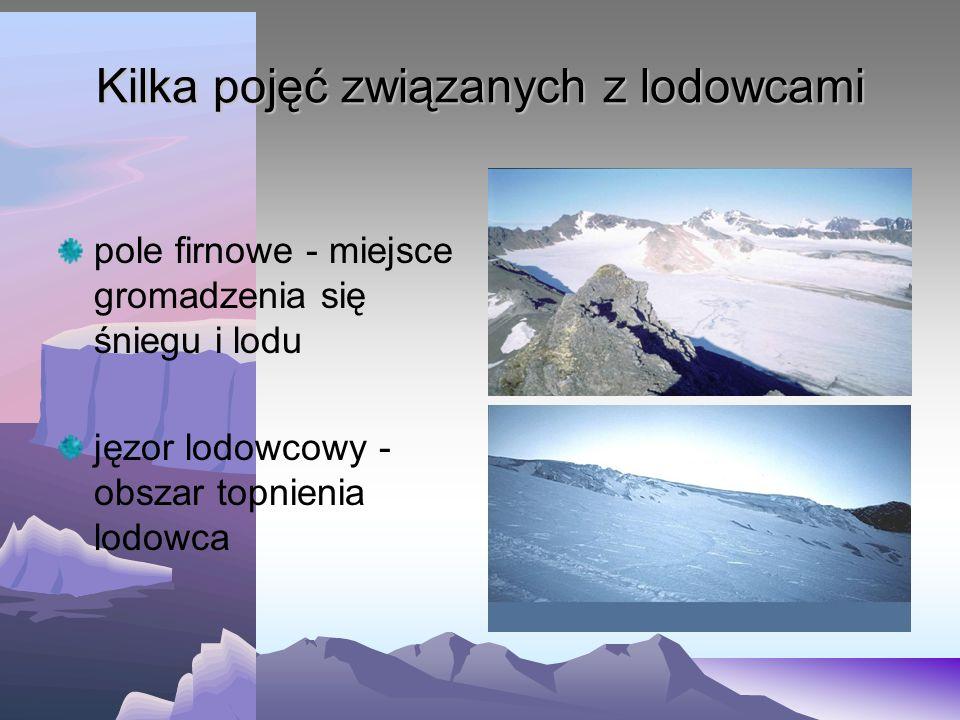 Góra lodowa oderwany fragment lodu od lodowca szelfowego i unoszący się na powierzchni morza mają charakter gór stołowych (płaska powierzchnia szczyto