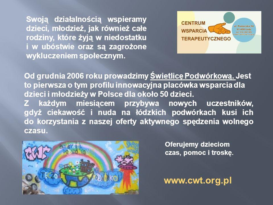 Od grudnia 2006 roku prowadzimy Świetlicę Podwórkową. Jest to pierwsza o tym profilu innowacyjna placówka wsparcia dla dzieci i młodzieży w Polsce dla
