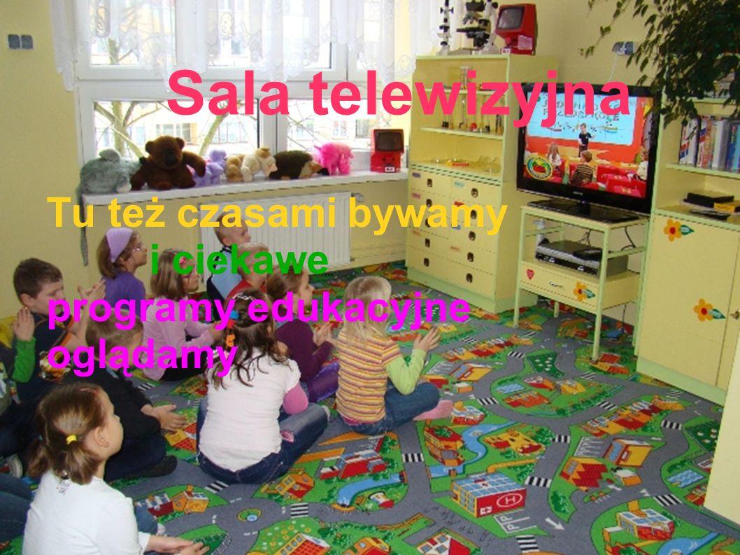 Sala telewizyjna Tu też czasami bywamy i ciekawe programy edukacyjne oglądamy