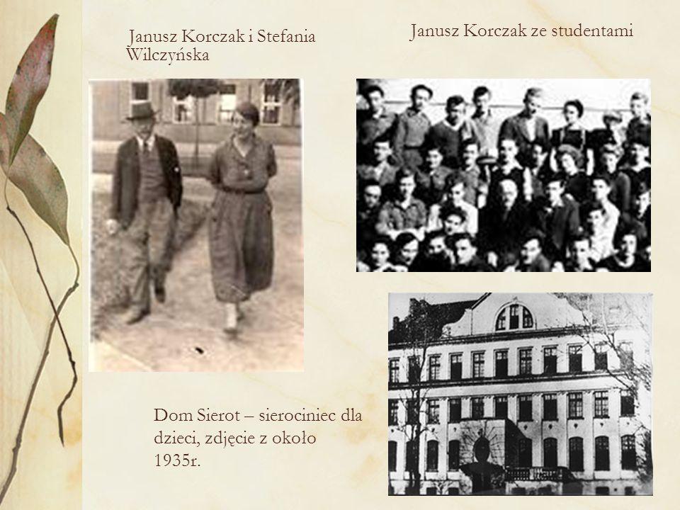 Janusz Korczak na obozie letnim w Michałówce 1907 Korczak razem z innymi nauczycielami na obozie letnim dla chrześcijańskich chłopców- Wilhelmówka 1908