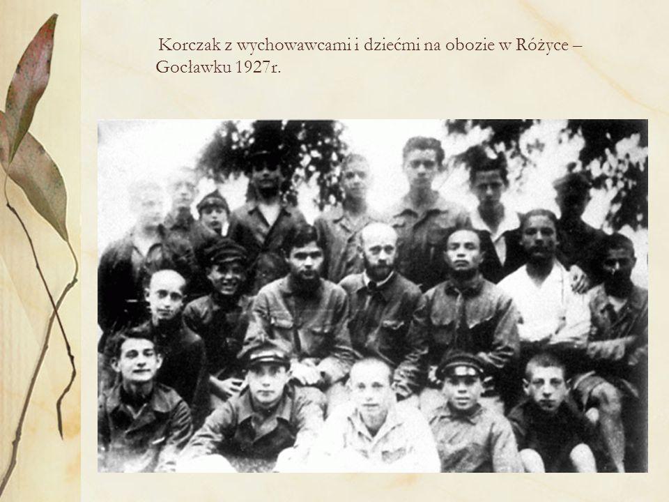Korczak w mundurze szkoły medycznej Janusz Korczak w późnych latach trzydziestych