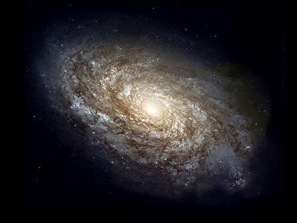 Ewolucja gwiazd Długość życia i przebieg ewolucji gwiazdy zależy od jej masy.