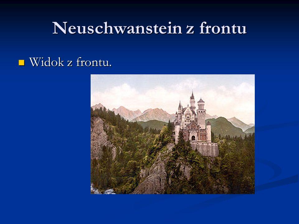 Neuschwanstein z frontu Widok z frontu. Widok z frontu.