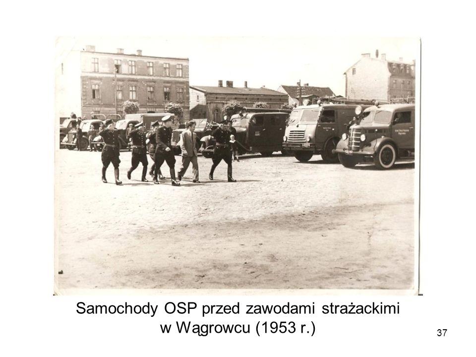 Samochody OSP przed zawodami strażackimi w Wągrowcu (1953 r.) 37