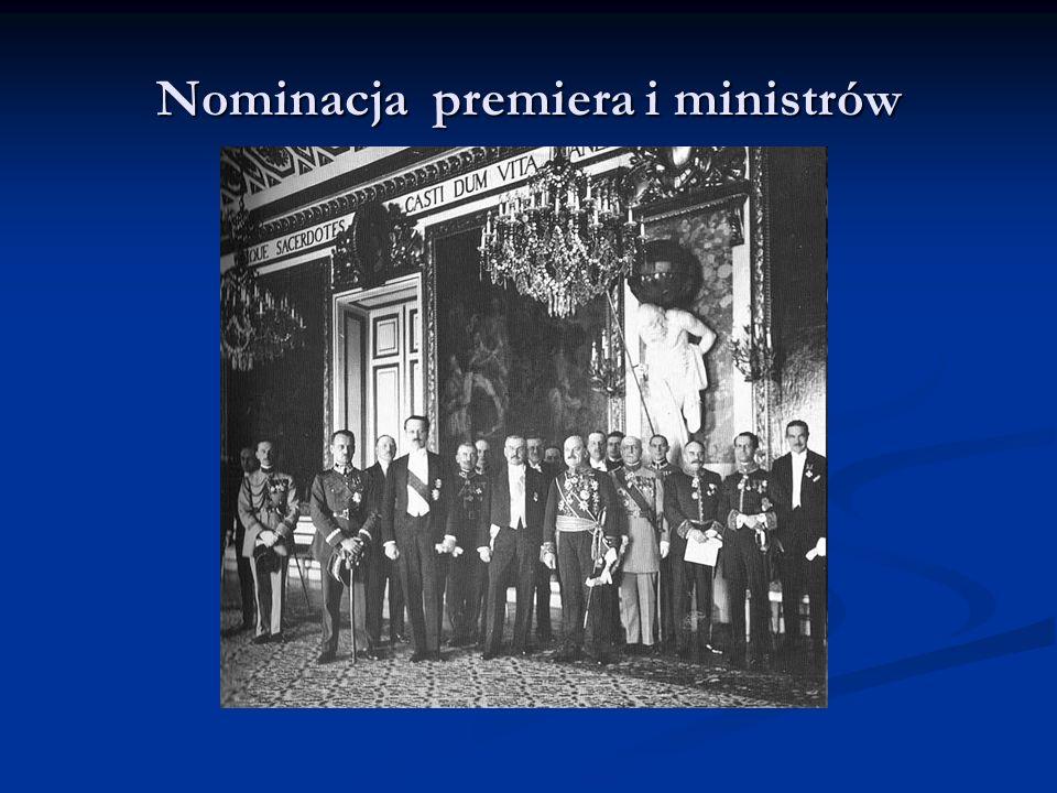 Rząd Władysława Grabskiego W środku siedzi premier i minister skarbu.