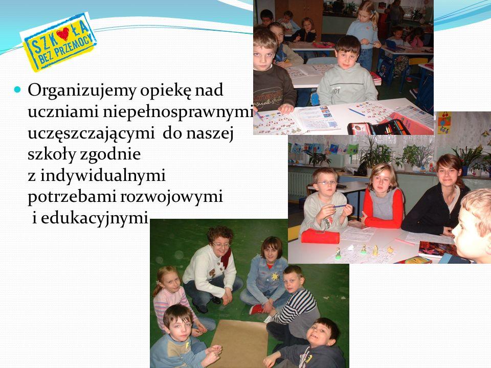 Organizujemy opiekę nad uczniami niepełnosprawnymi uczęszczającymi do naszej szkoły zgodnie z indywidualnymi potrzebami rozwojowymi i edukacyjnymi