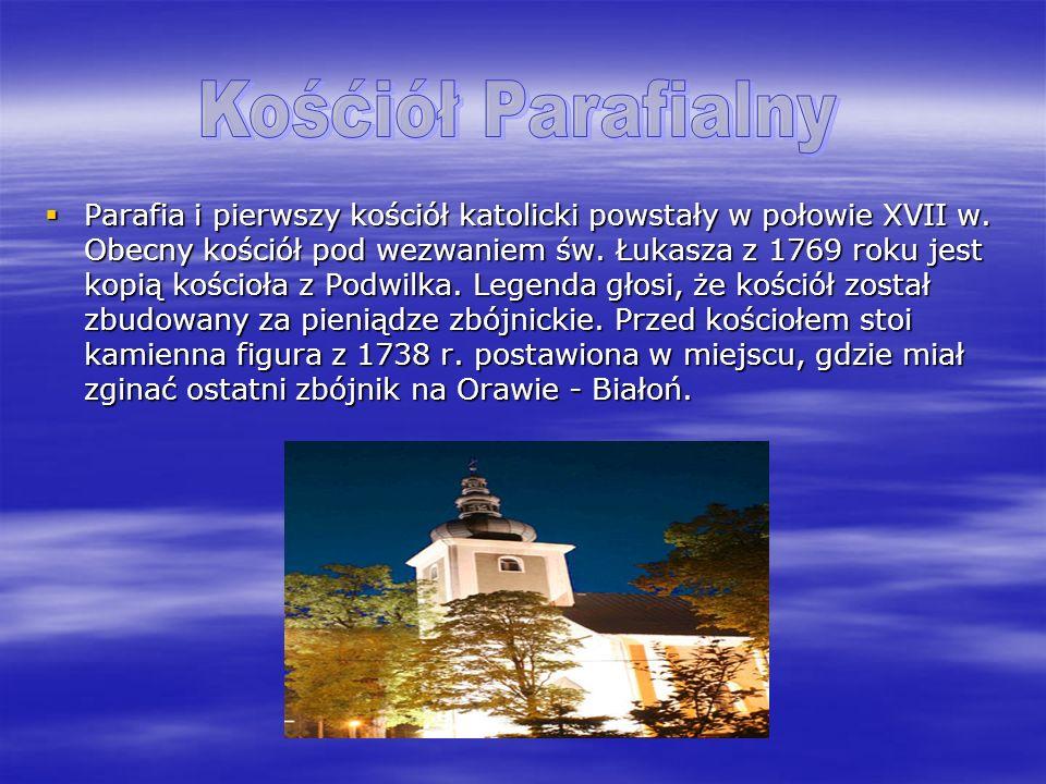 Parafia i pierwszy kościół katolicki powstały w połowie XVII w. Obecny kościół pod wezwaniem św. Łukasza z 1769 roku jest kopią kościoła z Podwilka. L