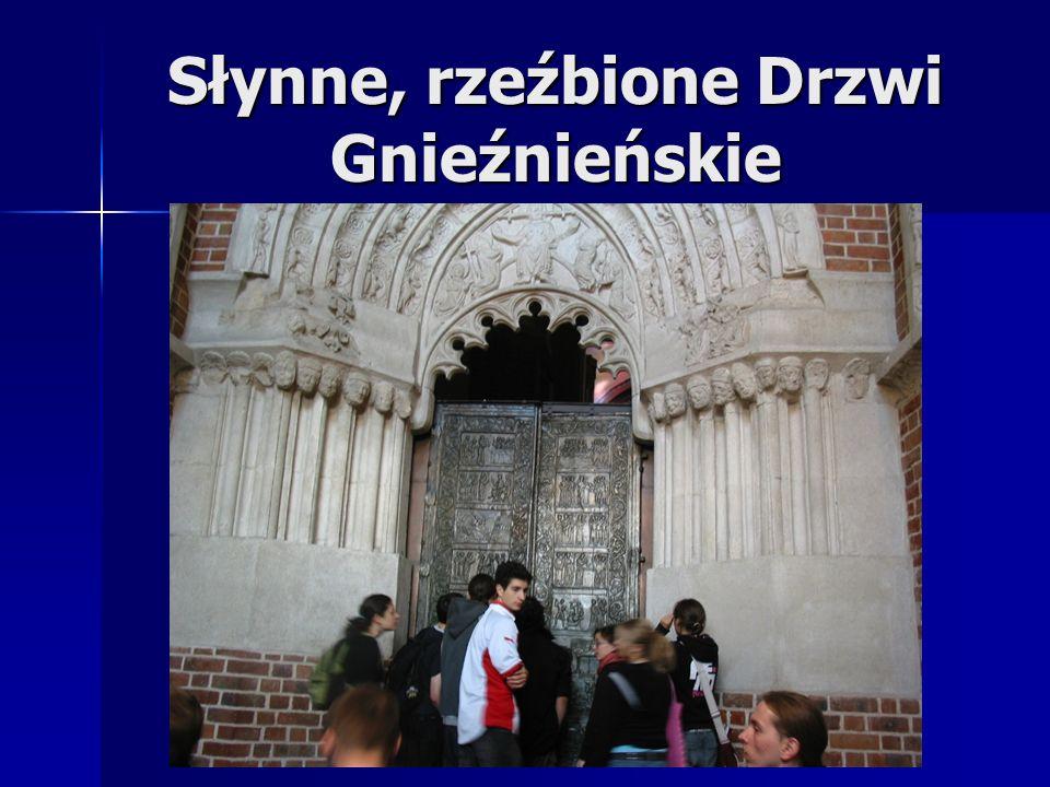 Słynne, rzeźbione Drzwi Gnieźnieńskie