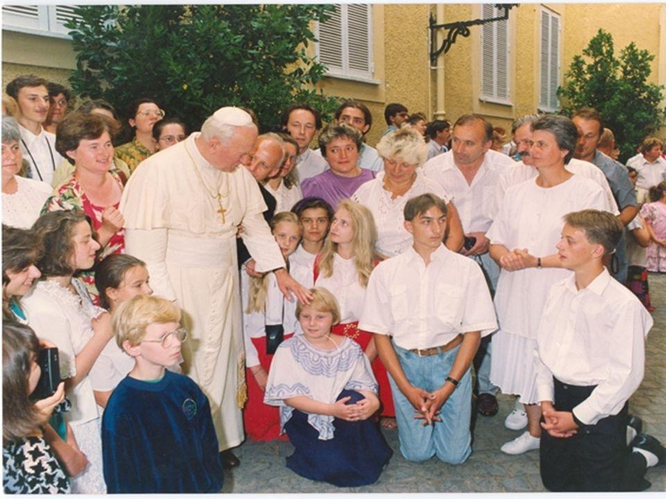 Orędzia Ojca Świętego Jana Pawła II do młodzieży całego świata z okazji XI Światowego Dnia Młodzieży Trzeba przede wszystkim, abyście Wy, Młodzi, dawali wyraźne i zdecydowane świadectwo o miłości do życia, które jest darem Bożym; miłości, która powinna rozciągać się na całe życie każdej istoty ludzkiej; miłości, która ma walczyć z każdym roszczeniem dążącym do tego, aby człowiek stawał się sędzią życia brata: tego nie narodzonego i tego u schyłku życia, tego niepełnosprawnego i tego słabego.