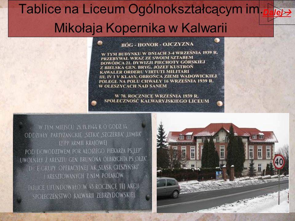 Tablice na Liceum Ogólnokształcącym im. Mikołaja Kopernika w Kalwarii Dalej