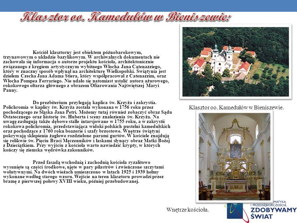Kościół klasztorny jest obiektem późnobarokowym, trzynawowym o układzie bazylikowym. W archiwalnych dokumentach nie zachowała się informacja o autorze