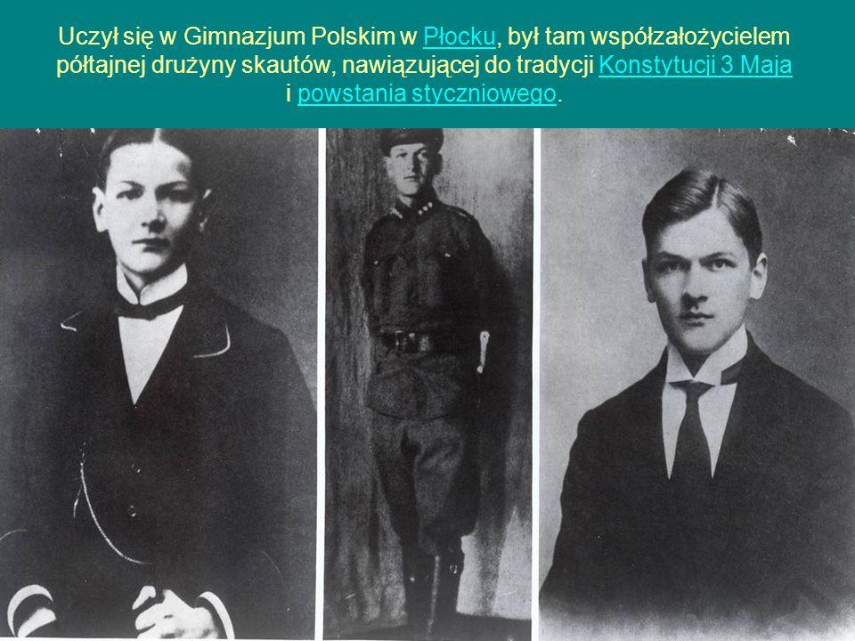Uczył się w Gimnazjum Polskim w Płocku, był tam współzałożycielem półtajnej drużyny skautów, nawiązującej do tradycji Konstytucji 3 Maja i powstania s