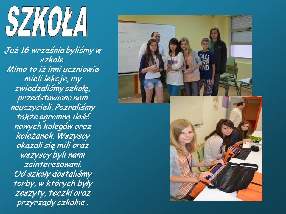 Już 16 września byliśmy w szkole. Mimo to iż inni uczniowie mieli lekcje, my zwiedzaliśmy szkołę, przedstawiano nam nauczycieli. Poznaliśmy także ogro