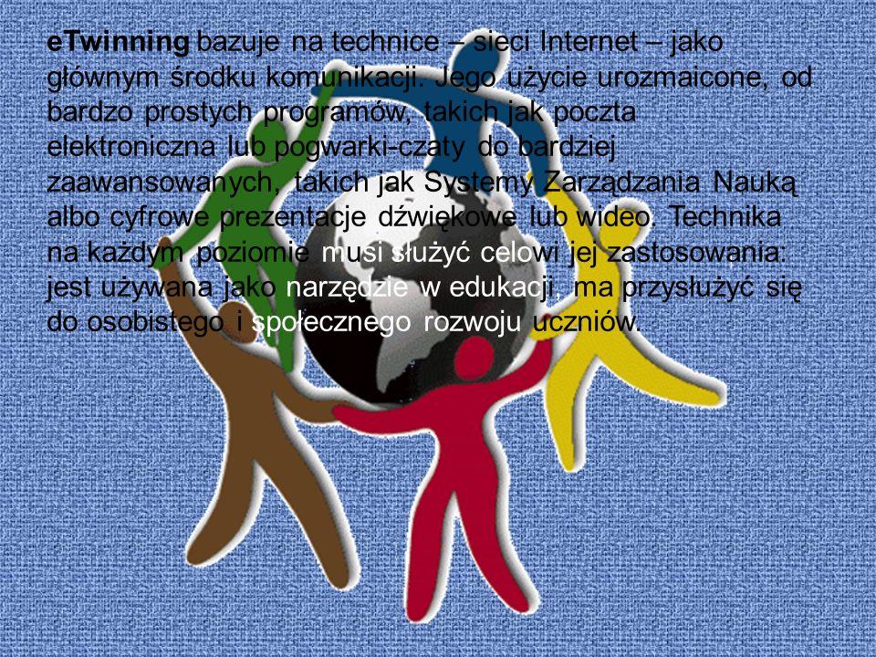 eTwinning bazuje na technice – sieci Internet – jako głównym środku komunikacji. Jego użycie urozmaicone, od bardzo prostych programów, takich jak poc