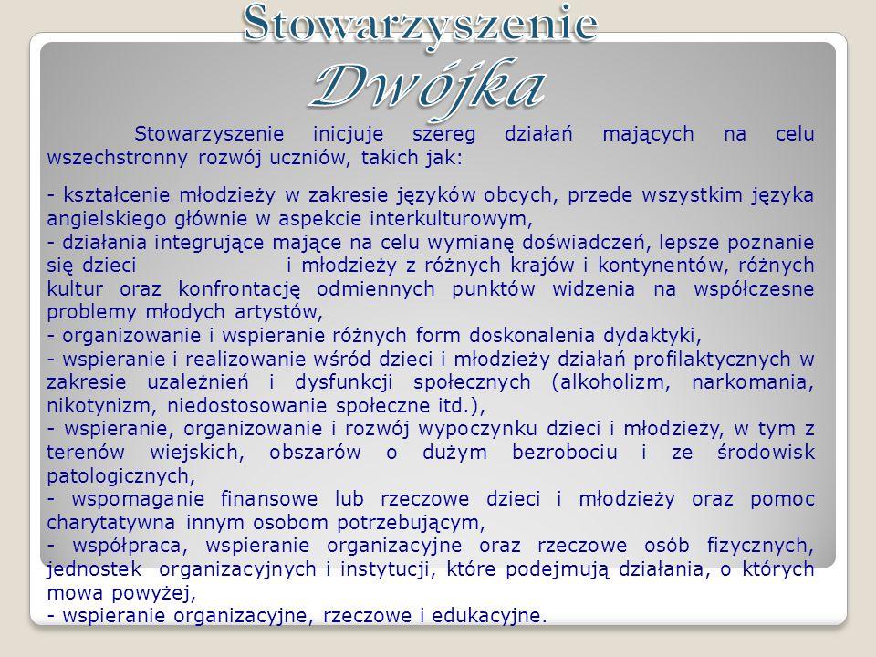 Stowarzyszenie Dwójka wspiera działający w SP2 w Puławach zespół muzyczny Music Club2, w skład którego wchodzą uczniowie szkoły oraz jej absolwenci.