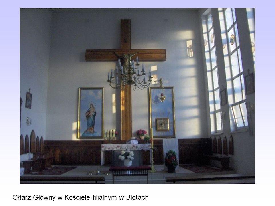 Ołtarz Główny w Kościele filialnym w Błotach