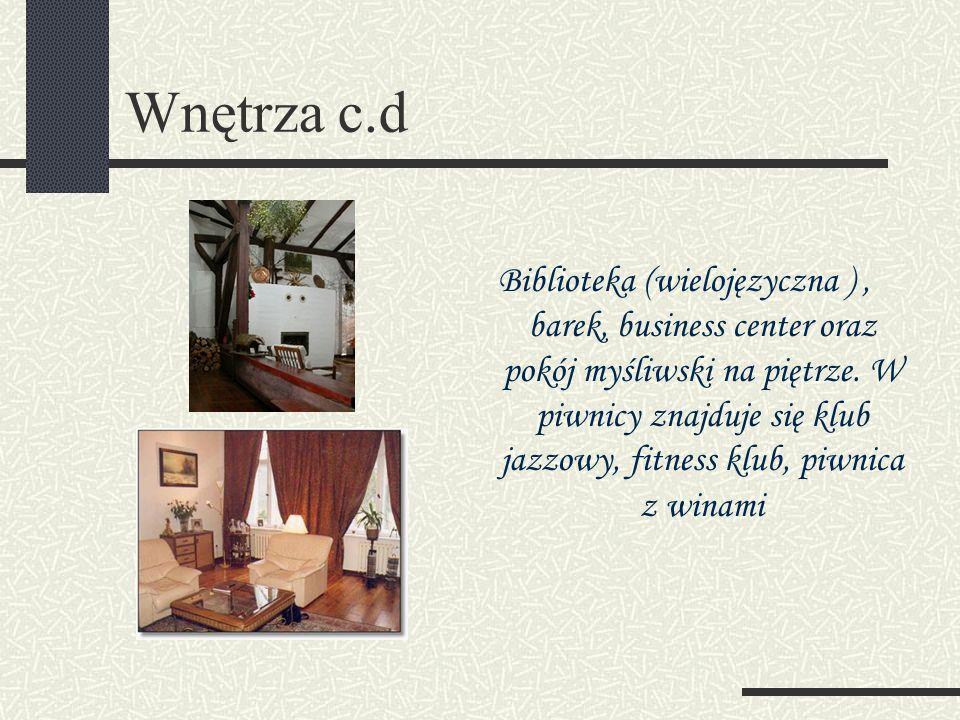 Wnętrza c.d Biblioteka (wielojęzyczna ), barek, business center oraz pokój myśliwski na piętrze.