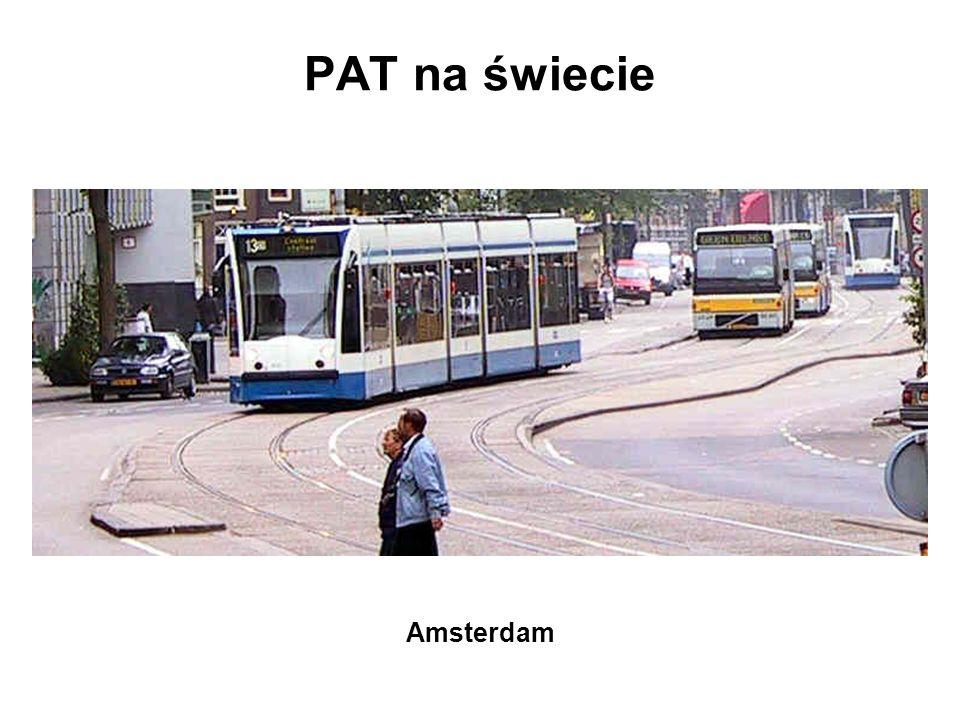 PAT jako pasy sąsiadujące wariant z tramwajem w środku