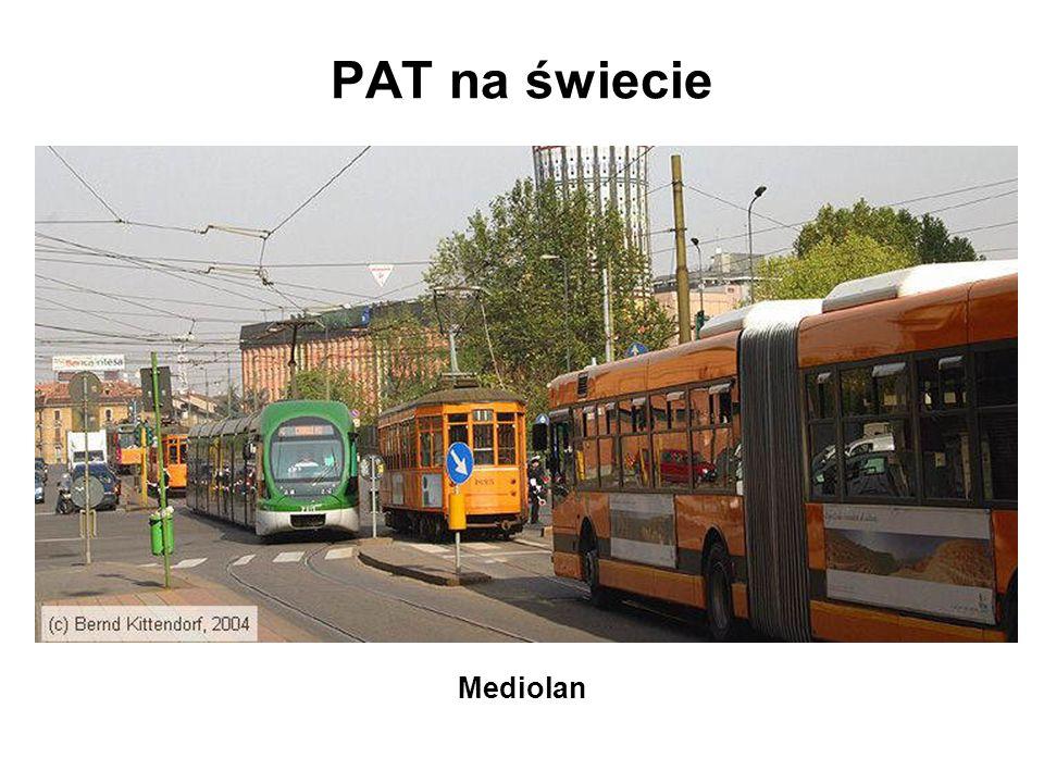 Dotychczasowe propozycje PAT w Warszawie zastosowanie PAT według modelu punktowego kryteria wyboru lokalizacji: –utrudnienia w ruchu autobusowym –rezerwy w wykorzystaniu przepustowości wydzielonych torowisk –niskie koszty adaptacji torowisk –kolizyjność PAT z innymi uczestnikami ruchu miejskiego –spójność układu linii i przystanków tramwajowych i autobusowych osiem najbardziej atrakcyjnych lokalizacji PAT Analiza możliwości i celowości wprowadzenia autobusów na wybrane torowiska tramwajowe w Warszawie , Zespół Doradców Gospodarczych TOR, Warszawa 2002.