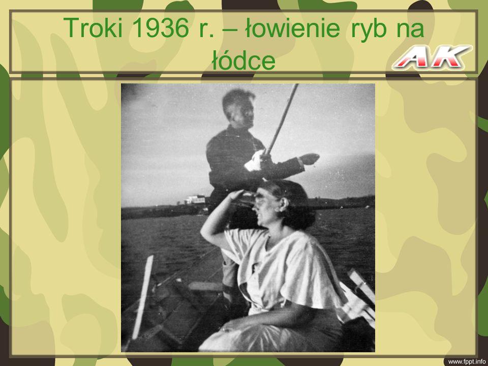 Troki 1936 r. – łowienie ryb na łódce