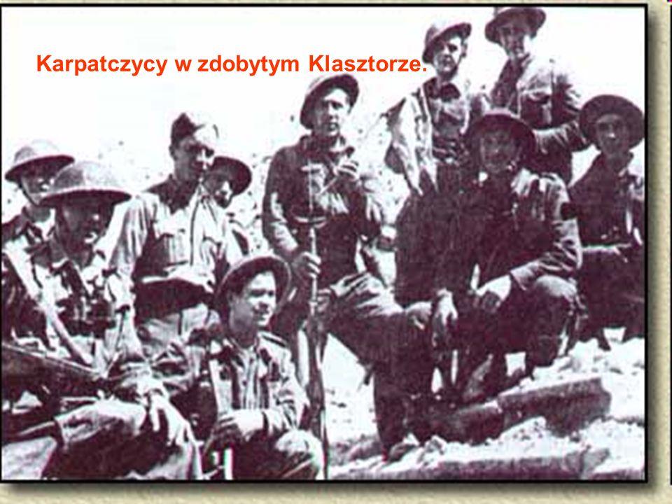 Karpatczycy w zdobytym Klasztorze.
