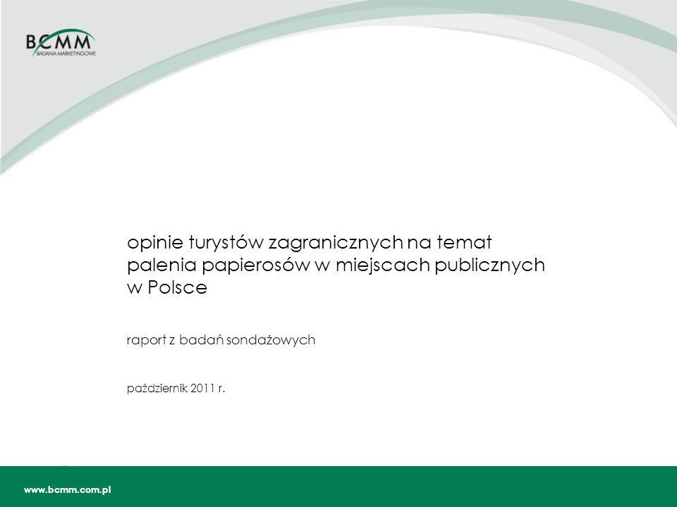 Źródło: BCMM 2 SPIS TREŚCI Wstęp Podsumowanie Profil respondenta - turysty zagranicznego …………………………………………………………....…….8 struktura demograficzna, geograficzna, długość pobytu w Polsce odwiedzane lokale gastronomiczno-rozrywkowe oraz miejsce zakwaterowania palenie papierosów znajomość obowiązujących przepisów dotyczących zakazu palenia w kraju zamieszkania respondenta Opinie turystów zagranicznych na temat zakazu palenia w miejscach publicznych…….....…….14 postawy wobec zakazu palenia papierosów w lokalach gastronomicznych i rozrywkowych wpływ zakazu palenia papierosów na postrzeganie atrakcyjności odwiedzanych miejsc wpływ zakazu palenia papierosów na wybór lokalu gastronomicznego lub rozrywkowego narażenie na bierne wdychanie dymu tytoniowego opuszczenie lokalu z powodu narażenia na bierne wdychanie dymu tytoniowego zauważalność informacji o zakazie palenia papierosów w odwiedzonych lokalach wpływ zakazu palenia papierosów na wybór miejsca zakwaterowania narażenie na bierne wdychanie dymu tytoniowego w miejscu zakwaterowania Aneks ……………………………………………………………………………………………………………….31 przekroje badanych zmiennych według danych metryczkowych struktura próby