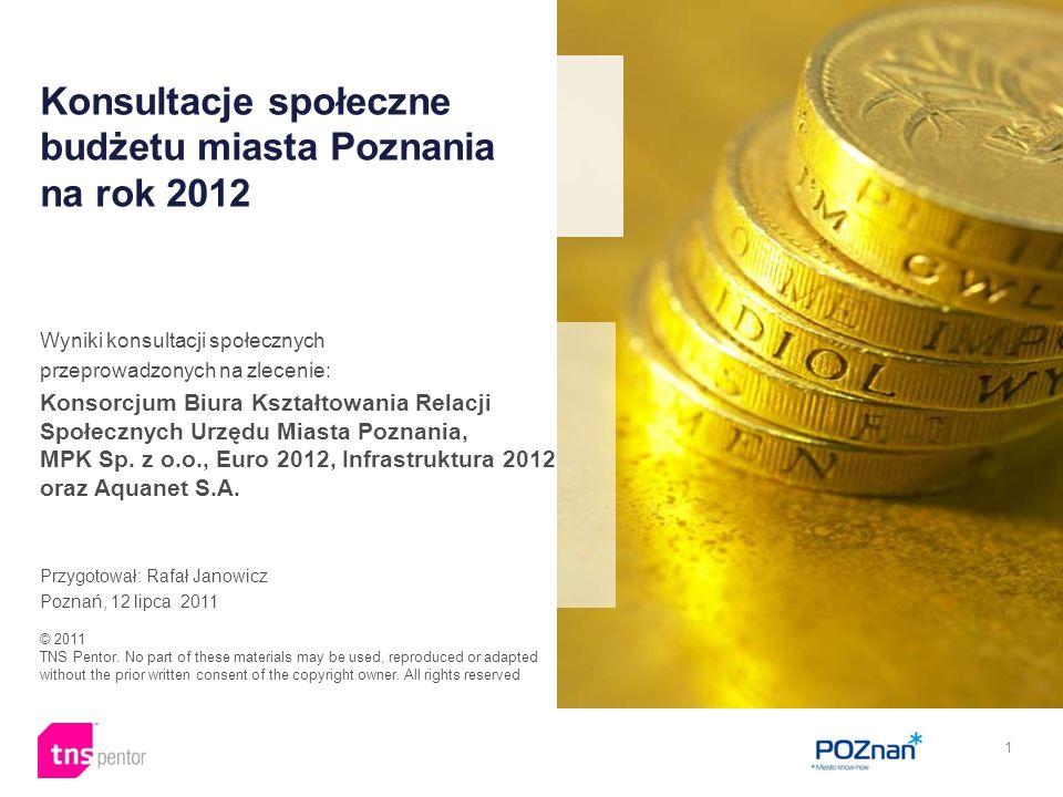 32 Analiza wyników ankiety audytoryjnej pokazuje, że w obszarze polityka zdrowotna uczestnicy Debaty Obywatelskiej akceptują następujące rozwiązania co do przedstawionych do oceny kierunków optymalizacji i oszczędności: a)Miasto Poznań w wypadku programów profilaktycznych powinno wg 64% uczestników debaty pozostawić wydatki na te programy na niezmienionym poziomie, b)w wypadku kwestii dofinansowywania dokształcenia kadry medycznej poznańskich jednostek służby zdrowia (choć nie należy to do obligatoryjnych zadań miasta) zadania uczestników debaty były podzielone, według: 48% należy nadal dofinansować dokształcenie tego typu, 49% nie należy dofinansowywać dokształcania tego typu, c) zdania uczestników debaty były także podzielone co do tego czy Miasto powinno ponosić koszty doposażenia jednostek służby zdrowia, funkcjonujących na terenie miasta Poznania, niezależnie od tego czy są to jednostki miejskie (choć nie należy to do obligatoryjnych zadań miasta) - wg: 52% powinno ponosić koszty tego typu, 41% nie powinno ponosić kosztów tego typu.