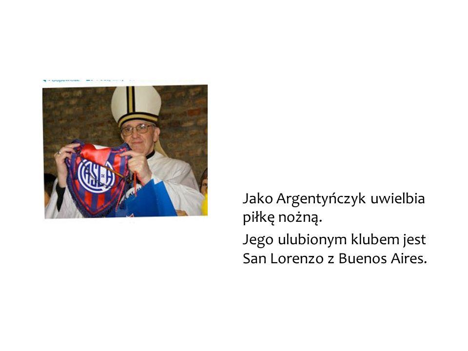 Jako Argentyńczyk uwielbia piłkę nożną. Jego ulubionym klubem jest San Lorenzo z Buenos Aires.