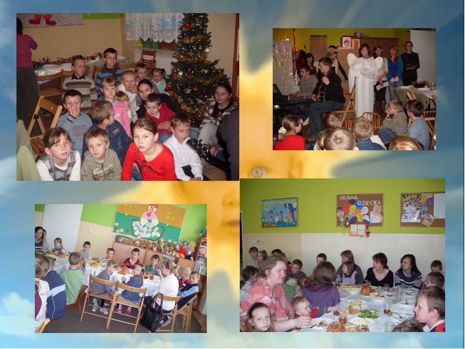 Organizujemy świetlicowe uroczystości między innymi : -Dzień Matki -Dzień Ojca -Dzień Babci i Dziadka -Festyn rodzinny z okazji Dnia Dziecka -Dzień Patrona Spotykamy się z dziećmi i z ich rodzicami z okazji świąt