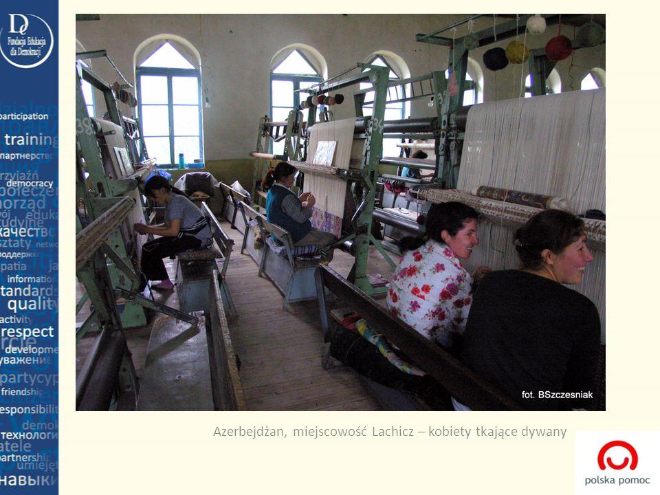 Azerbejdżan, miejscowość Lachicz – kobiety tkające dywany