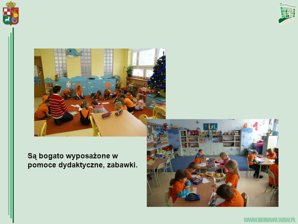 ZAJĘCIA DODATKOWE Dzieci sześcioletnie uczęszczają na lekcje języka angielskiego 2 razy po pół godz.