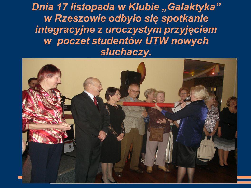 STRUKTURY ORGANIZACYJNE UTW Ogólnopolskie Porozumienie Uniwersytetów Trzeciego Wieku- to fundacja z siedzibą w Warszawie – prezes Krystyna Lewkowicz.