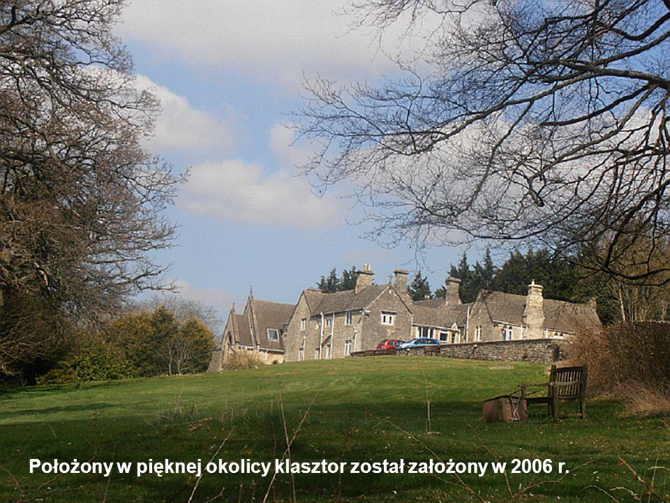 Klasztor posiada: 14 pokoi – 5 dwójek, 9 jedynek (max.