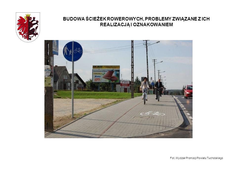 BUDOWA ŚCIEŻEK ROWEROWYCH, PROBLEMY ZWIĄZANE Z ICH REALIZACJĄ I OZNAKOWANIEM -Budowa ścieżek rowerowych w powiecie bydgoskim W ostatnich 6 latach w powiecie bydgoskim wybudowano ponad 42 km ścieżek rowerowych, z tego ponad aż 35 km w 2010 roku dzięki dofinansowaniu Europejskiego Funduszu Rozwoju Regionalnego oraz wsparciu gmin z terenu powiatu bydgoskiego.