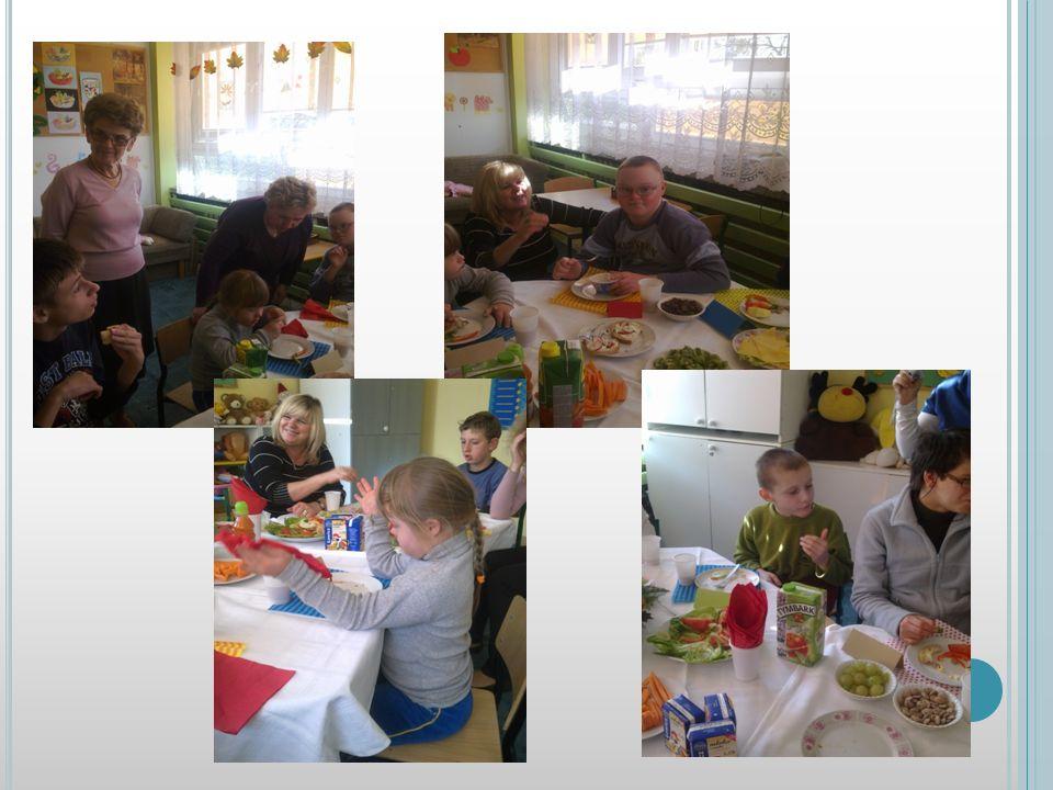 ZABAWY I ZAGADKI SMAKOWE Rozpoczęły się zabawy w trakcie których dzieci miały możliwość utrwalenia smaków wybranych potraw. Szczególnym zainteresowani