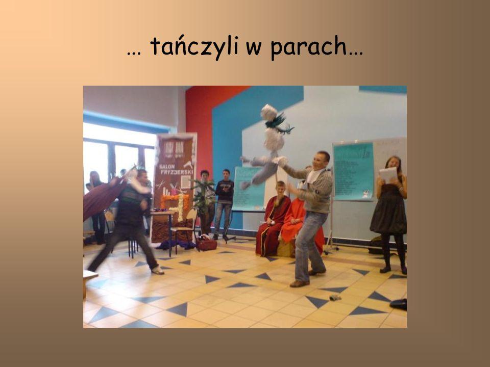 … tańczyli w parach…