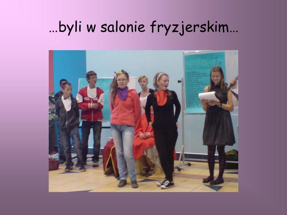 Monika zdobyła I miejsce w szkolnym konkursie recytatorskim