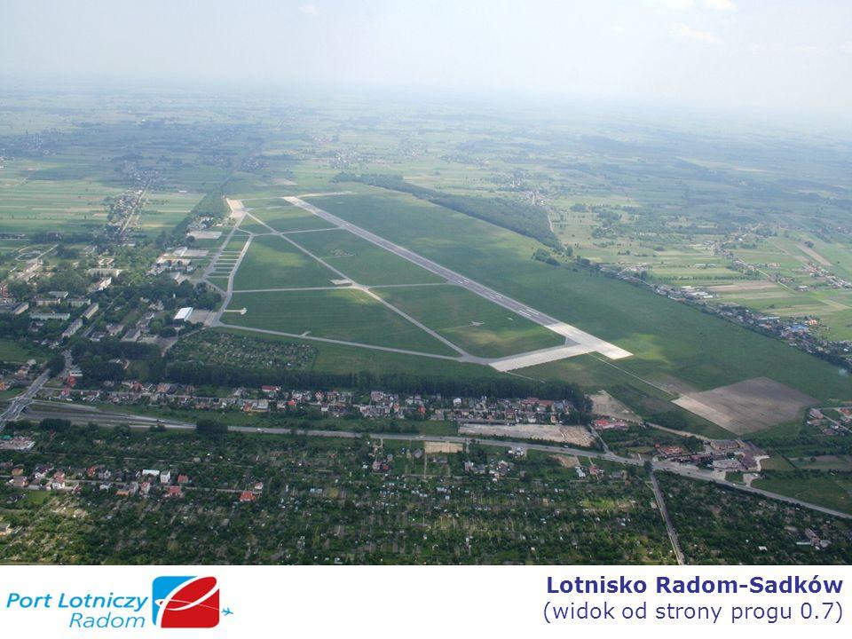 Lotnisko Radom-Sadków (widok od strony progu 0.7)